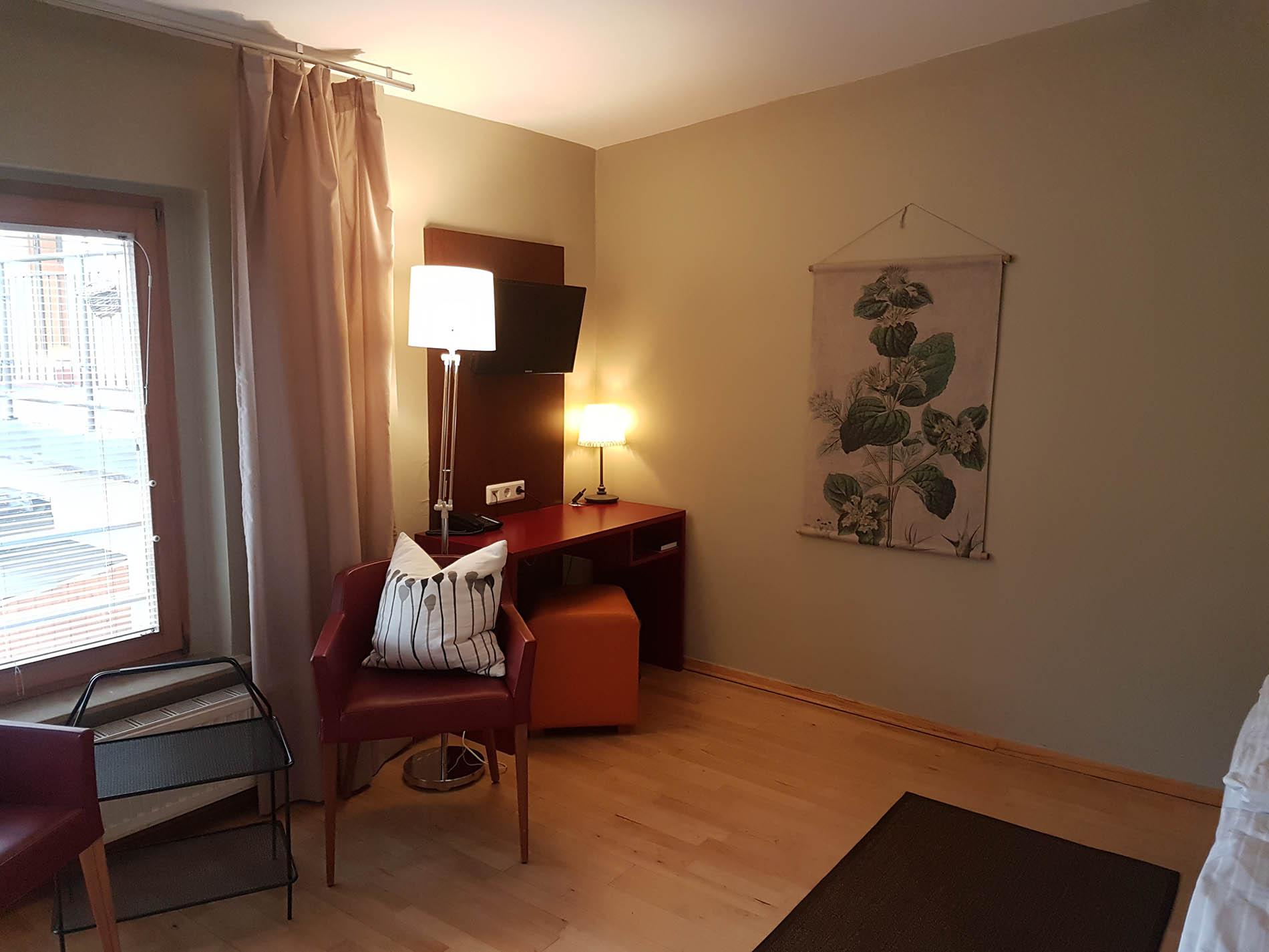 Zimmer im Seitenflügel - Appartements